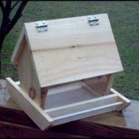 """Simple Bird Feeder"","